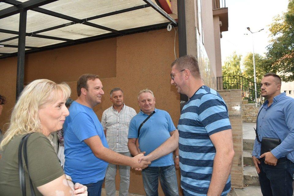 Мицкоски: Македонија мора да се избори за обнова