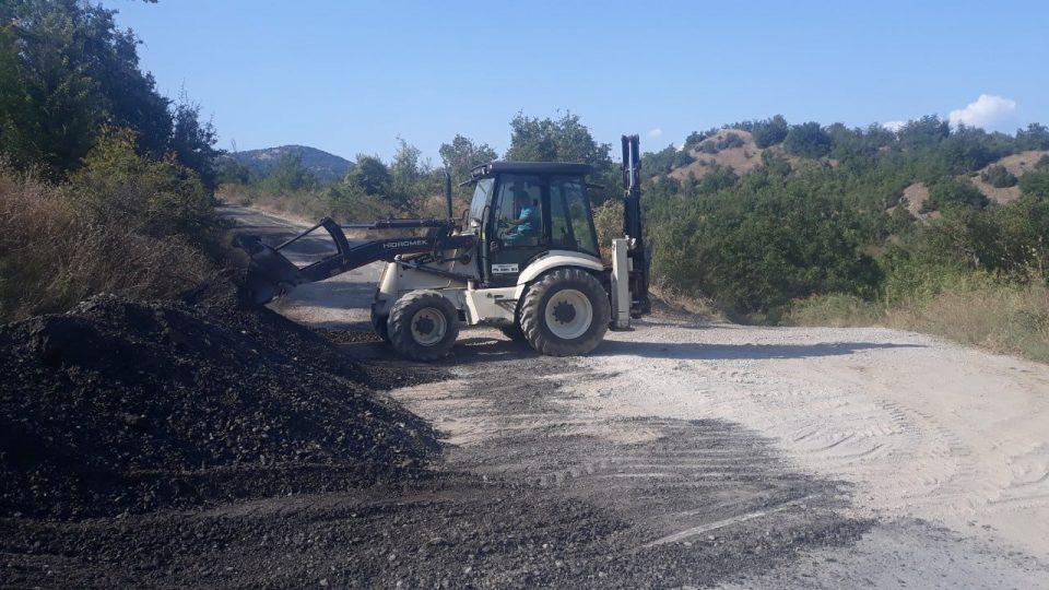 Општина Кавадарци изврши санација на патот од Страгово до Крњево
