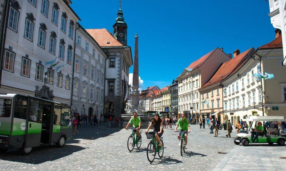 Просечната плата во Словенија 1.108 евра