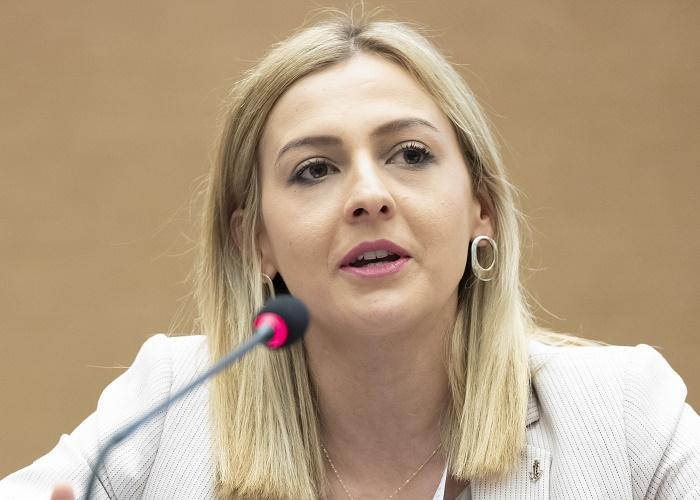 Нина Ангеловска нова министерка за финансии?
