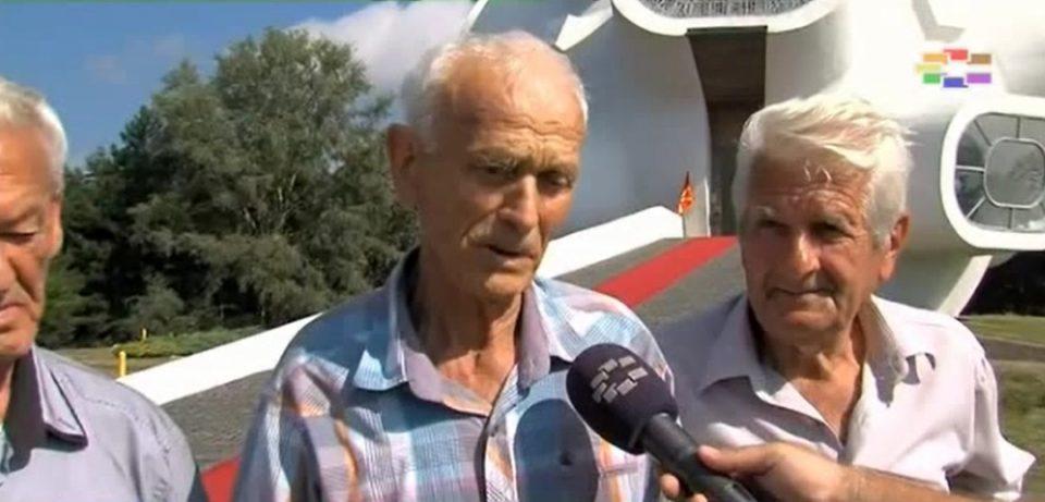 Кареви револтирани: Спречени да положат цвеќе на гробот на нивниот прадедо, бараат Никола Карев да биде вратен во химната