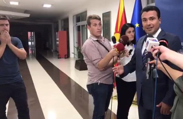 Реакцијата на новинарите за време на скандалозната изјава на Заев (ВИДЕО)