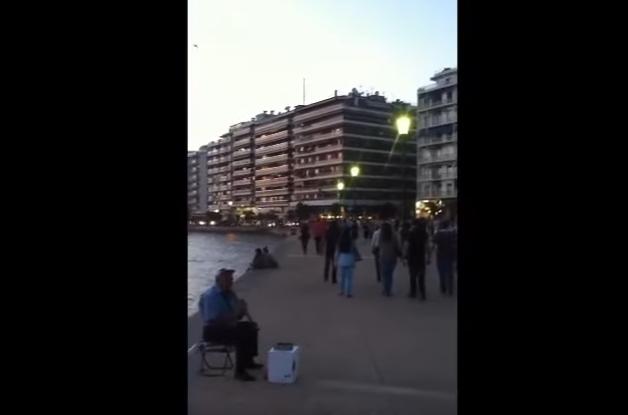 """ВИДЕО: """"Македонско девојче"""" ечеше среде Солун"""