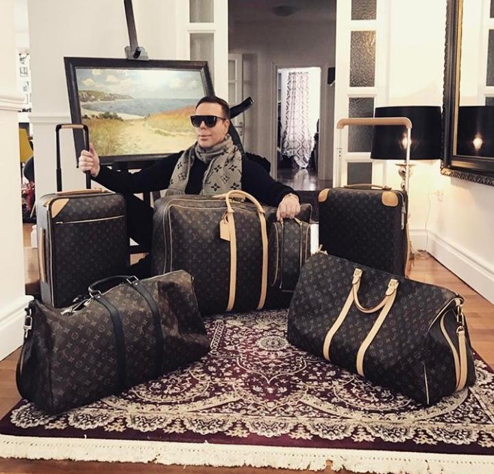 Боки 13 по стапките на светските ѕвезди: Тој и Роналдо во моден двобој (ФОТО)