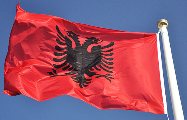 Алтернатива, Беса и Алијанса за Албанците бараат уставни промени за албанскиот јазик