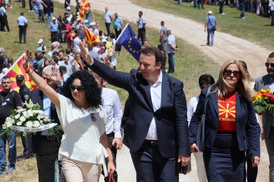 Николоски: Сите заедно со нашиот народ ќе ја вратиме гордоста на Македонија