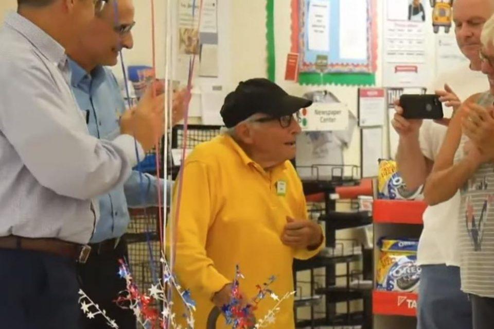 Не сака да слушне за пензија: 98-годишен дедо се врати на работа, а еве што им порача на луѓето кои секогаш се жалат