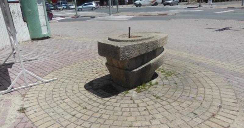 На плус 40 степени: Чешмите и фонтаните за пиење вода на најфреквентните места во Скопје не работат