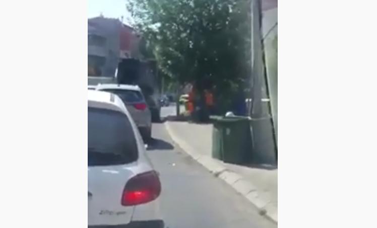 ВИДЕО: Среде сообраќаен шпиц градот го собира ѓубрето