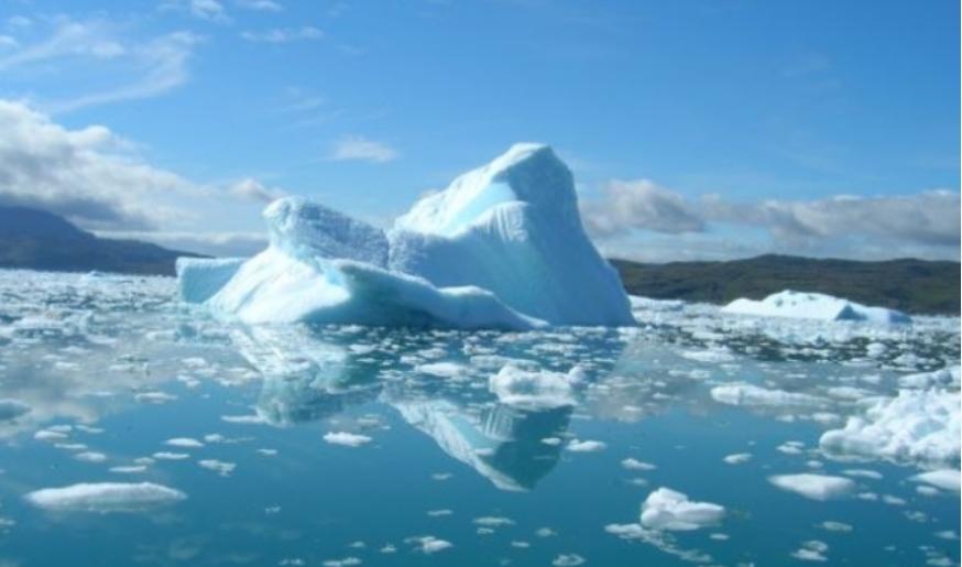 Големи загуби: Се стопил над 50 отсто од мразот на Гренланд