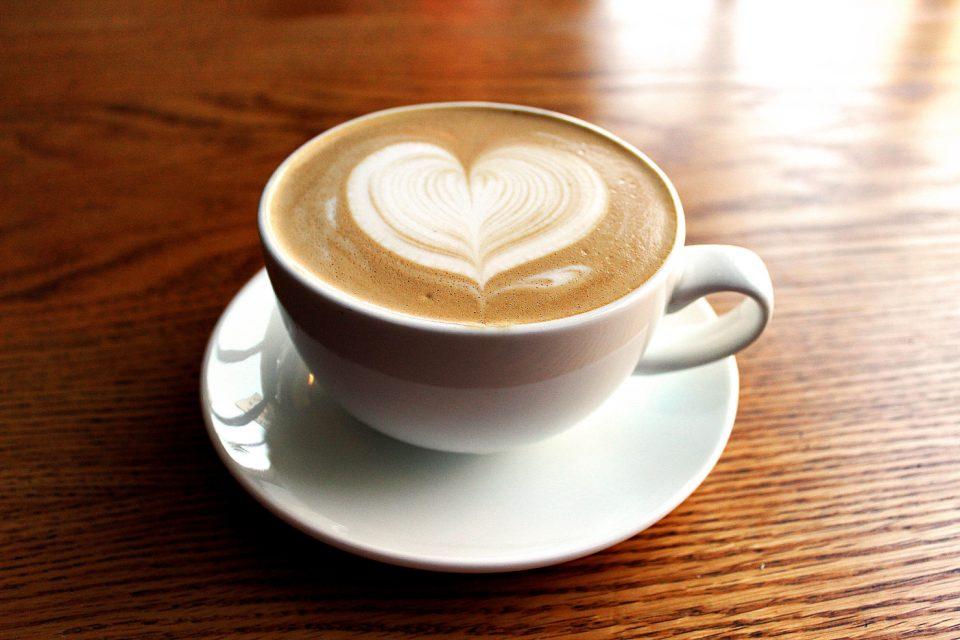 Кафето го забавува процесот на стареење и согорува масти