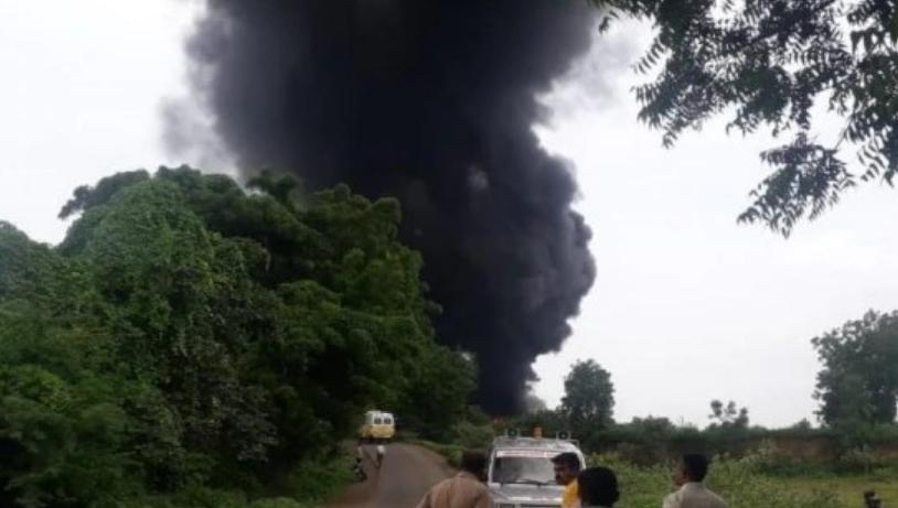 Најмалку 12 луѓе загинаа при експлозија во фабрика во Индија