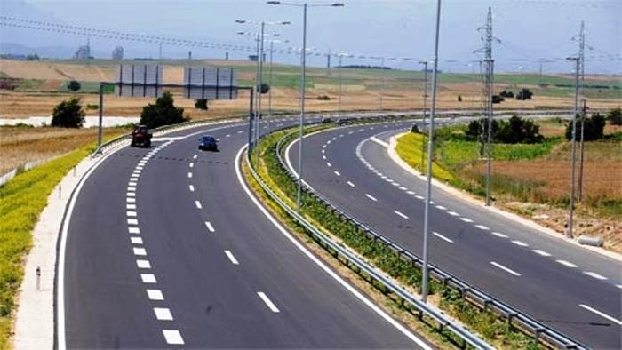 Зголемен интензитет на сообраќај надвор од градски средини: Состојба на патиштата ширум Македонија