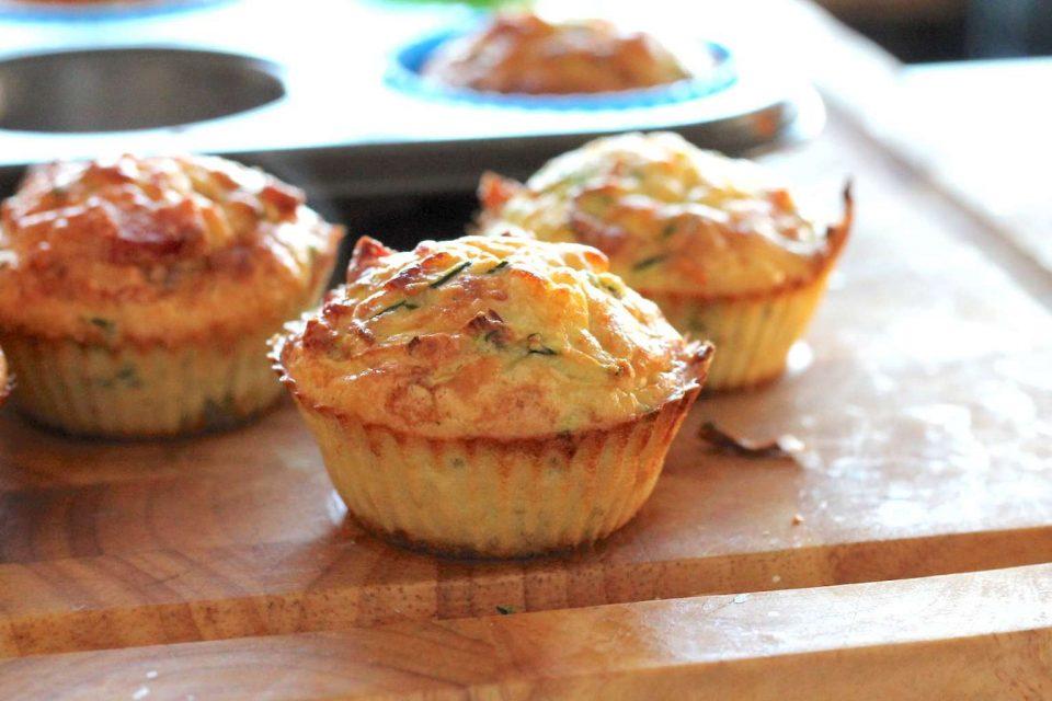 Рецепт на денот: Мафини со тиквички и пченкарно брашно