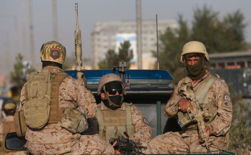 Најмалку 95 повредени во експлозијата во Кабул, Талибанците ја презедоа одговорноста