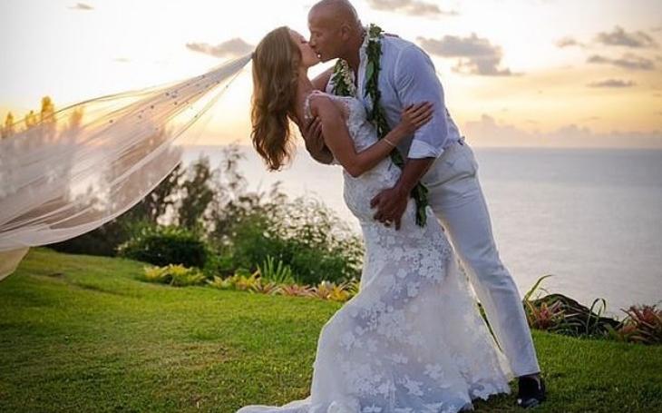 Најзгодниот актер по кој лудуваат жените направи свадба, невеста му е оваа убавица (ФОТО)