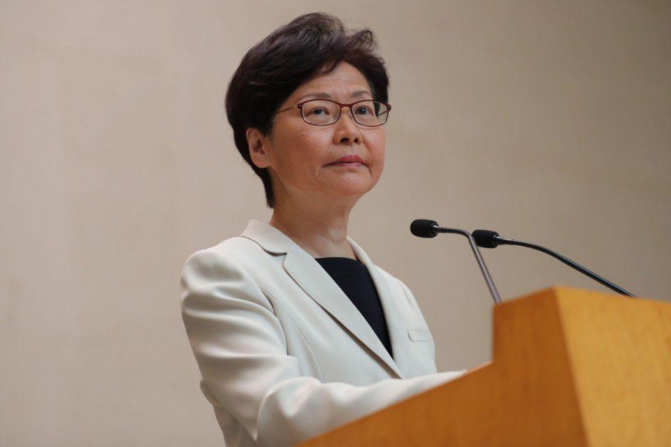 Хонгконг: Разговорот со демонстрантите без напредок