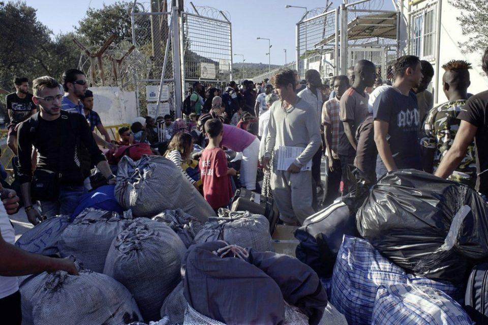 Над 500 бегалци и мигранти пристигнале на грчкиот остров Лезбос