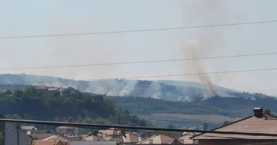 Локализирани 70 проценти од пожарот кај Љубин, интервенира и авион на ДЗС