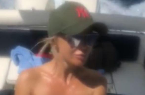 Хрватската пејачка објави аматерска видео снимка од јахтата- еве што прави со сопругот кој инсистирал да се снимаат (ВИДЕО)