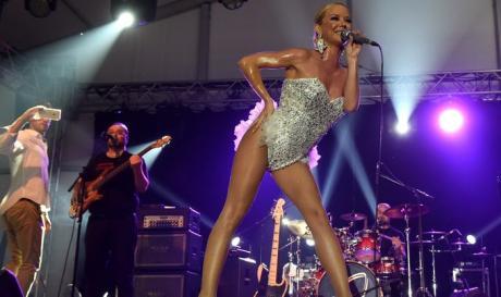 """Популарната пејачка предизвика бура реакции со својата изјава: """"Не сакам да спијам во рушевини"""""""