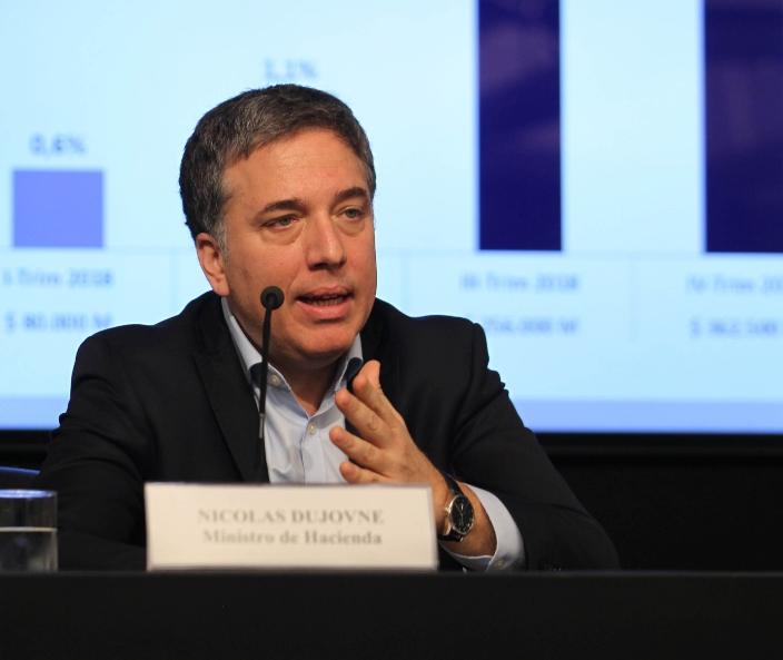 Аргентинскиот министер за финансии поднесе оставка