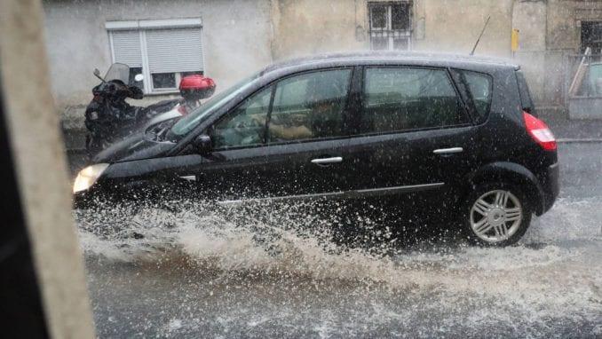 """Бурата """"Јулија"""" остави илјадници чешки домаќинства без електрична енергија"""
