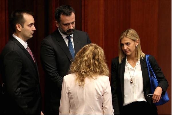 Нина Ангеловска министер за финансии, Хисен Џамаили министер задолжен за домашни инвестиции