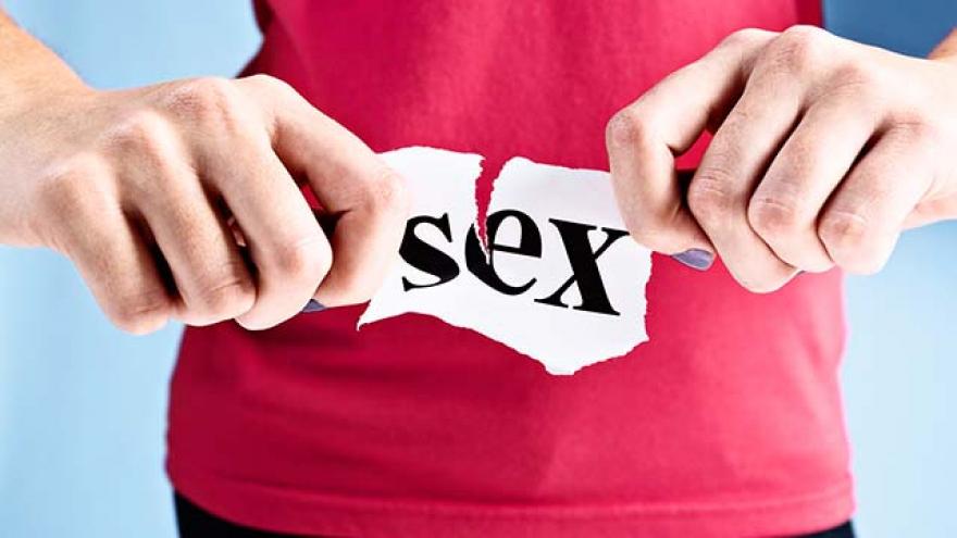 Оваа држава како мерка против коронавирусот од денеска го забранува сексот со лице од друго семејство и надвор од домот