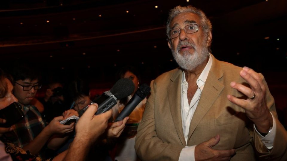 Пласидо Доминго обвинет за сексуално злоставување