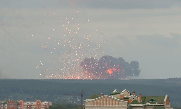 ВИДЕО: Запреа експлозиите на муниција во Русија – Илјадници евакуирани, 12 хоспитализирани