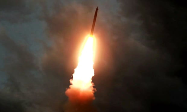 Армијата на Северна Кореја испука три нови проектили