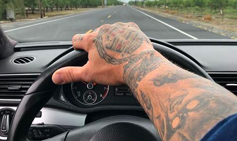Возачите со тетоважа ќе мораат на психотестови!