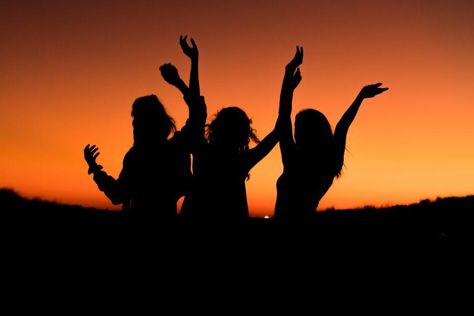 Овие 3 хороскопски знаци ќе бидат најсреќни до крајот на годината