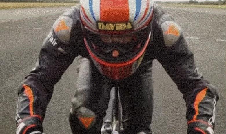 Соборен светскиот рекорд- Британец вози велосипед со брзина над 280км/час (ВИДЕО)