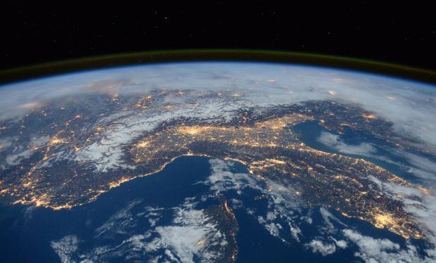 ЕСА планира да чисти ѓубре во вселената