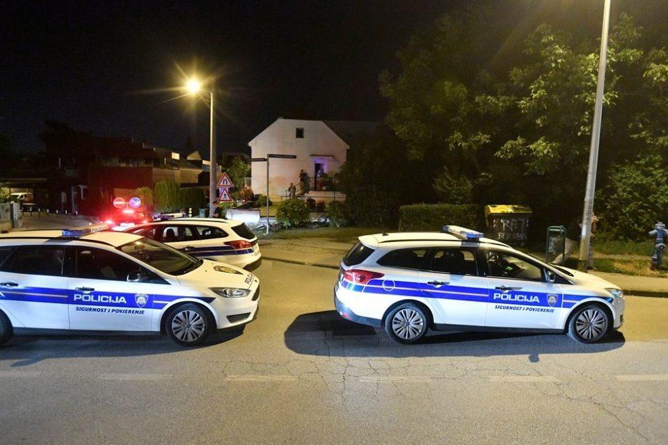 """Хрватската полиција врши увид во """"куќата на ужасот"""", од глетката ќе ви заледи крвта (ВИДЕО)"""