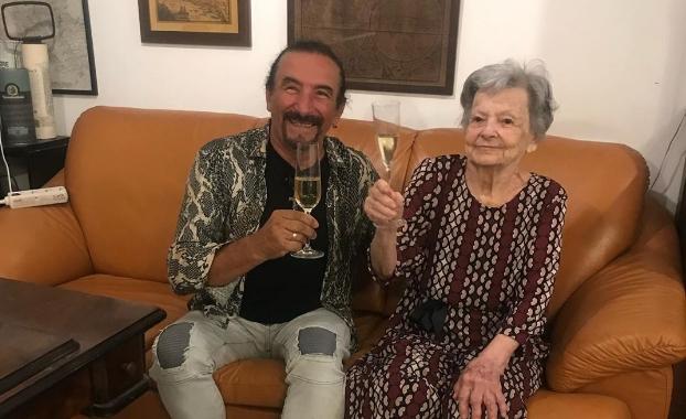Жељко Бебек со Селма го прослави нејзиниот 90-ти роденден: Ова е љубовната приказна која стои зад прекрасната песна