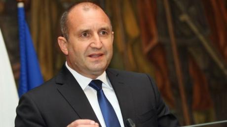 Радев свика консултации на државниот врв на тема Македонија