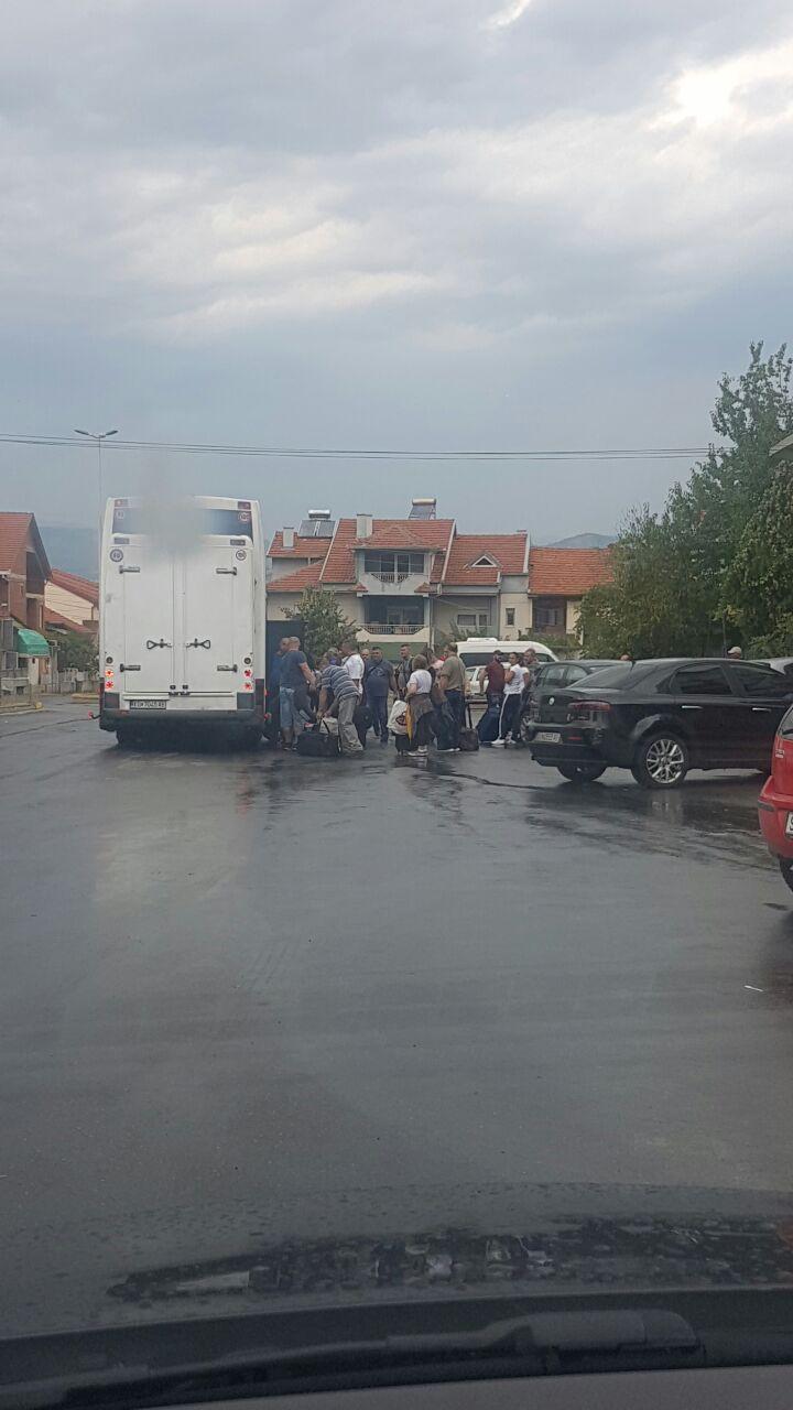 Масовен егзодус во Македонија: По Делчево, се испразни и Виница (ФОТО)