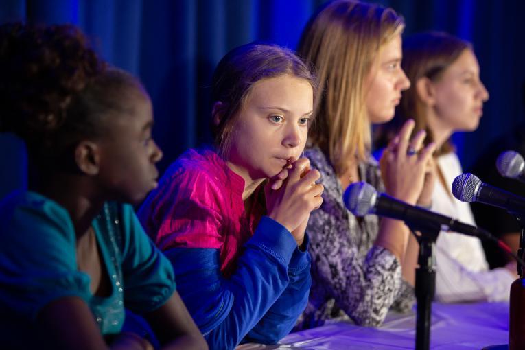 Како звучи младата активистка Грета Тунберг без подготвен текст?