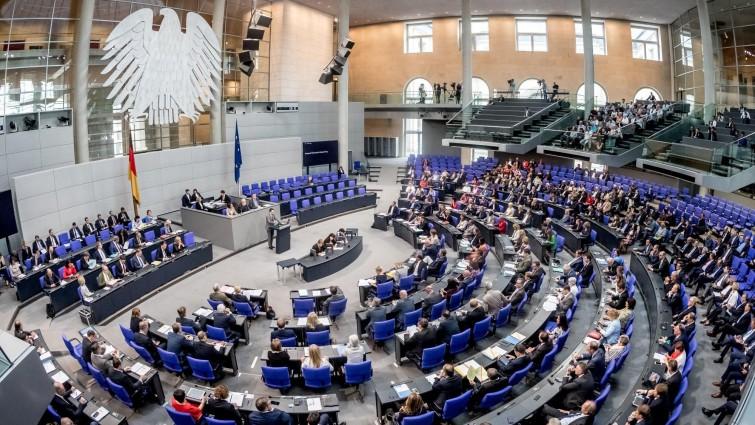 Бундестагот утре ќе одлучува за старт на преговорите на Македонија