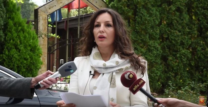 Попова: Шилегов ја излажа јавноста, носи одлука за продажба на Градската куќа, какви бизнис интереси се во прашање?