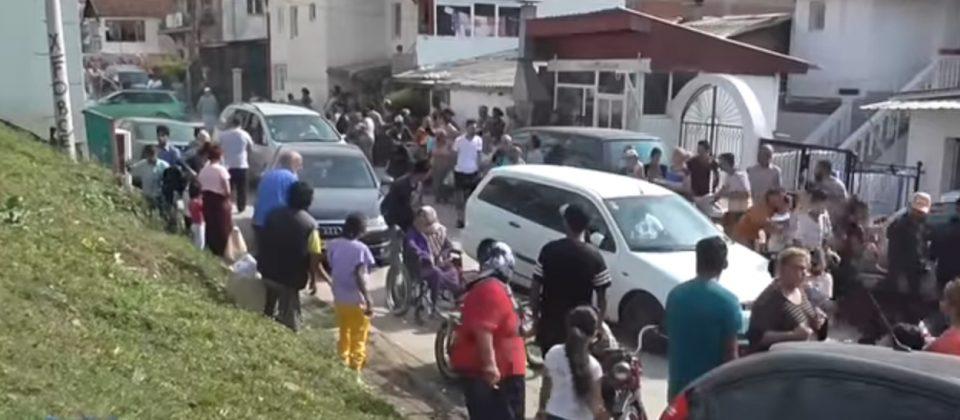 Три години од земјотресот во Скопје: Цела Шутка на нозе, луѓето панично бегаа на сите страни (ВИДЕО)