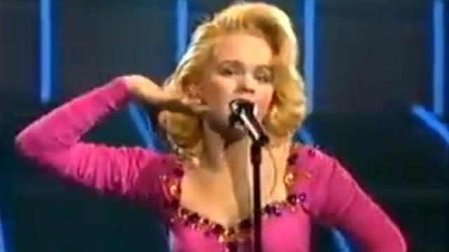 Пееше на Евровизија за Југославија и беше мега ѕвезда- денес спасот откако и почина мажот од рак го најде во оваа професија (ВИДЕО)