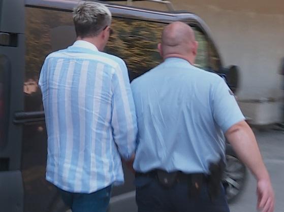 Боки 13 со лисици на лекарски преглед- еве како изгледа по два месеци во притвор (ФОТО)