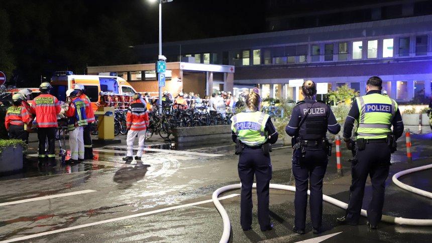 Пожар во болница во Дизелдорф – еден загинат и десетици повредени