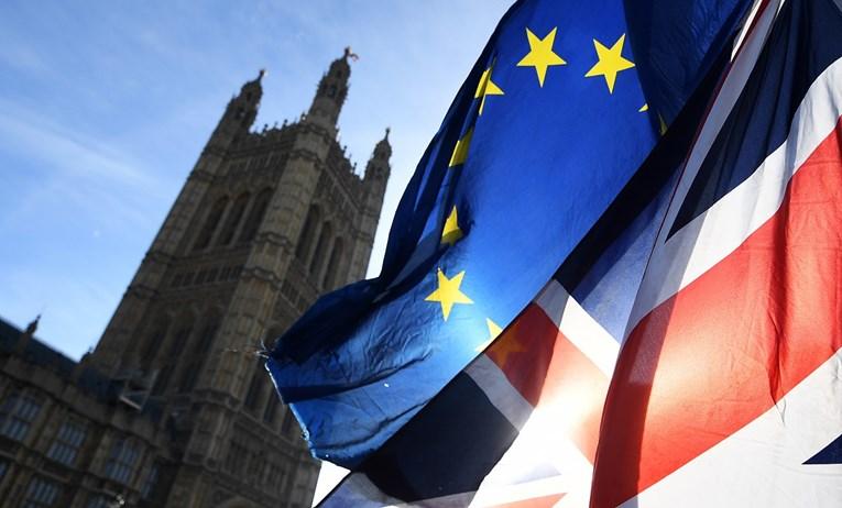 Британскиот Парламент вечерва на итна седница за Брегзит