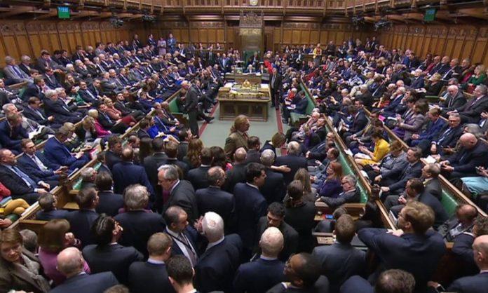 Британскиот Парламент ќе биде суспендиран од денеска до 14 октомври