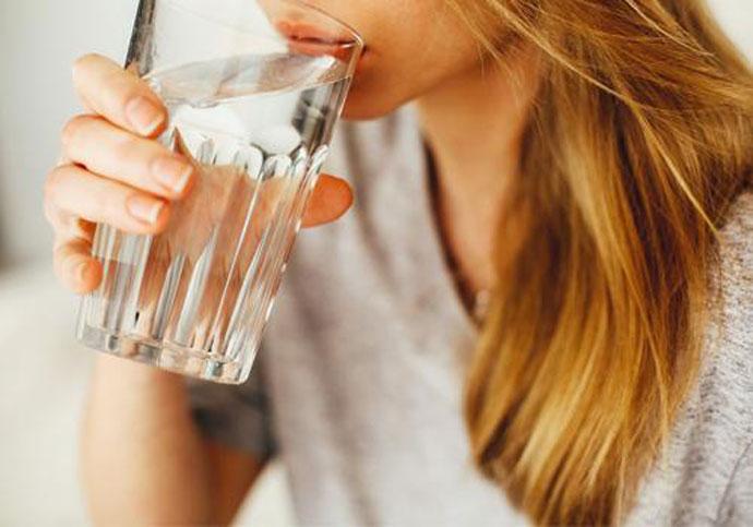 Колку чаши вода треба да пиете дневно?